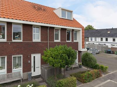 Mambohof 24 in Apeldoorn 7323 ST