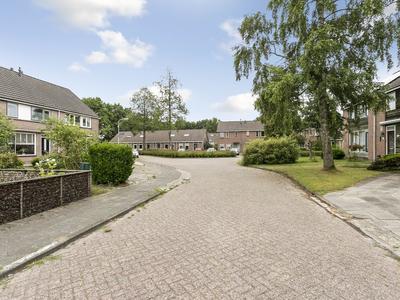 Ds Groot-Nibbelinkstraat 12 in Haulerwijk 8433 NE