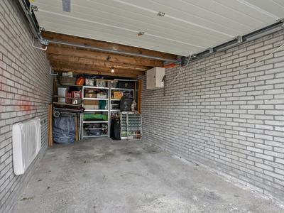 Bryhoekstraat 3 in Hellevoetsluis 3223 BD