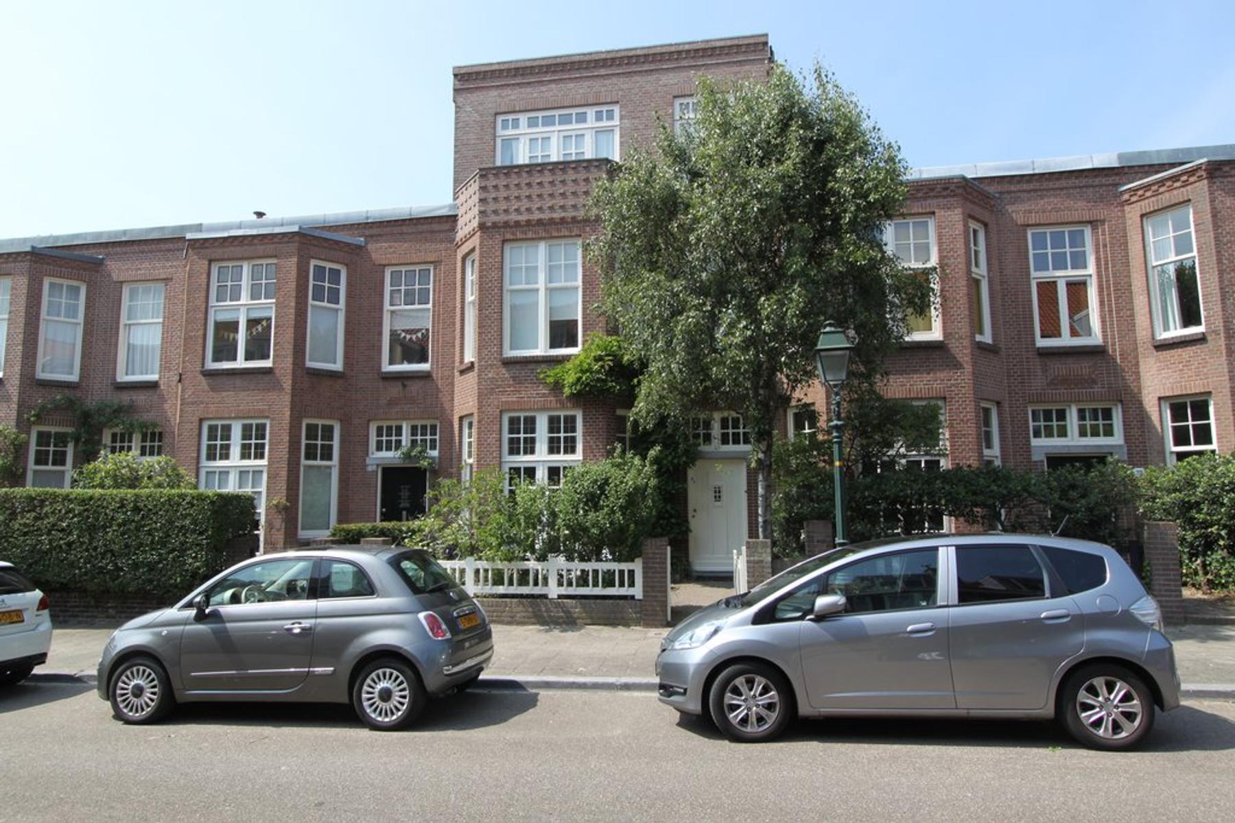 Van Aerssenstraat 25 in 'S-Gravenhage 2582 JE