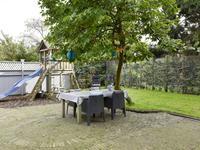 achtertuin met terras