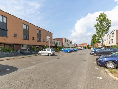 Viersepoort 20 in Nieuw-Vennep 2152 RR