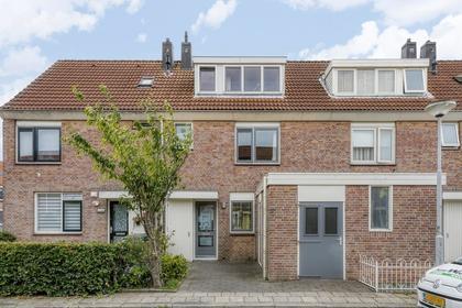 Mary Zeldenruststraat 34 in Heemskerk 1963 EC