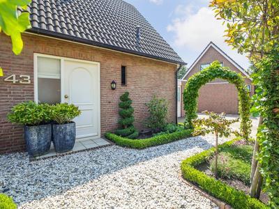 Aelbrecht Van Naaldwijklaan 43 in Ouderkerk Aan Den IJssel 2935 TC
