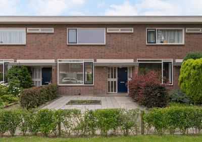 Antillenweg 102 in Leeuwarden 8931 CB