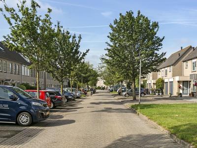Clara Visserstraat 70 in Purmerend 1447 HS