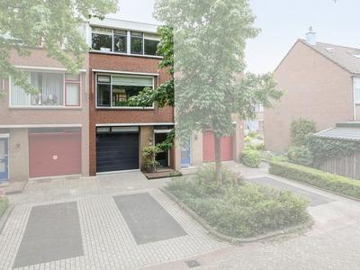Bosboomhof 18 in Lekkerkerk 2941 TA