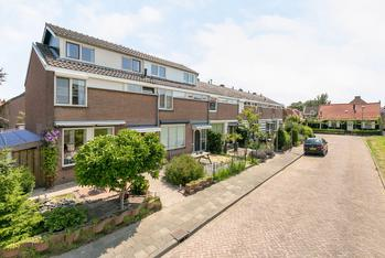 Beatrixstraat 26 in Piershil 3265 BA