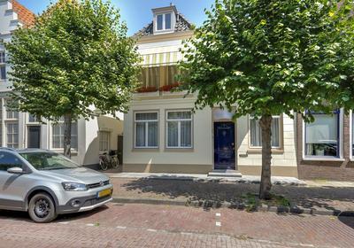 Ramen 14 in Hoorn 1621 EL