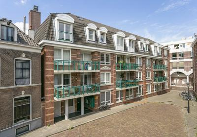 Graaf Van Burenstraat 2 F10 in Deventer 7411 RW
