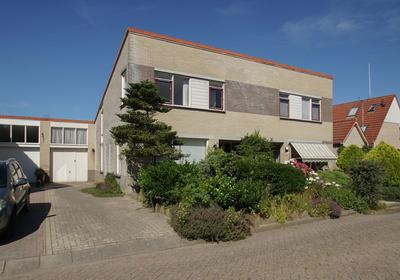 Sangerland 13 in Steenwijk 8331 XC