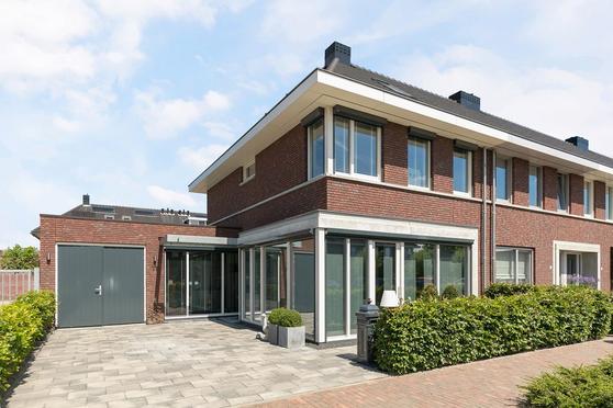 Caleche 11 in Waalwijk 5146 BD