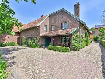 Thull 29 in Schinnen 6365 AC
