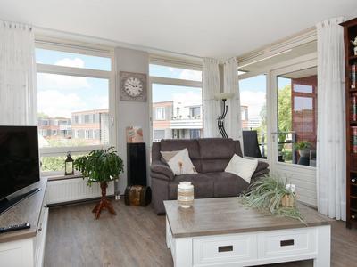 Dorpsstraat 159 in Nootdorp 2631 BX