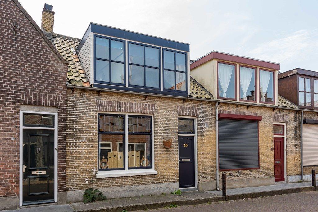 Glas In Lood Zierikzee.Minderbroederstraat 35 In Zierikzee 4301 Ev Woonhuis