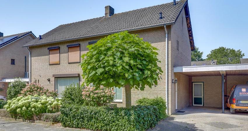 Casper Verdellenstraat 18 in Helden 5988 BK