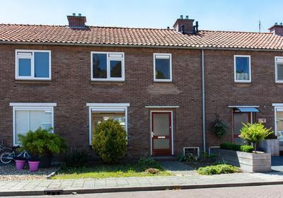 G.J. Van Heuvenstraat 5 in Voorst 7383 CS