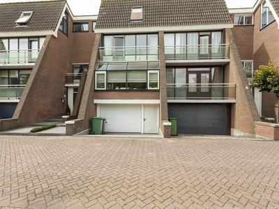 Hoeker 32 in Maassluis 3144 GE