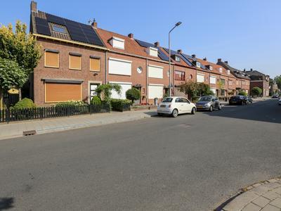 Pastoor Op Heijstraat 10 in Venlo 5912 BT
