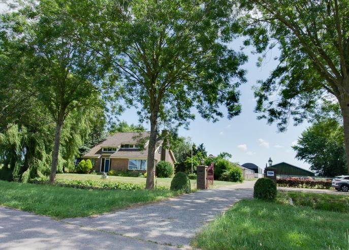Zwaagdijk 293 in Zwaagdijk-Oost 1684 NJ