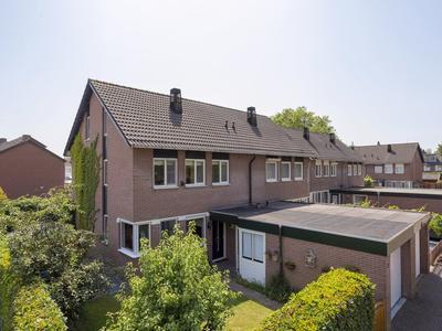 Jan Van Nassauplein 2 in Buren 4116 EG