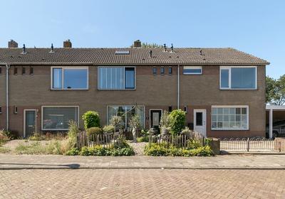 Bastiaan De Zeeuwstraat 12 in Oudenhoorn 3227 AC