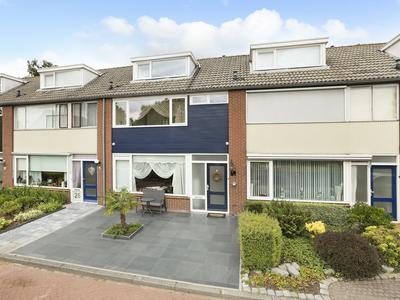 Dillenburg 25 in Hoevelaken 3871 DG
