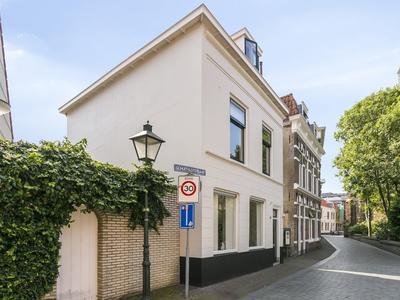 Achter De Kerk 1 in Vlissingen 4381 HL