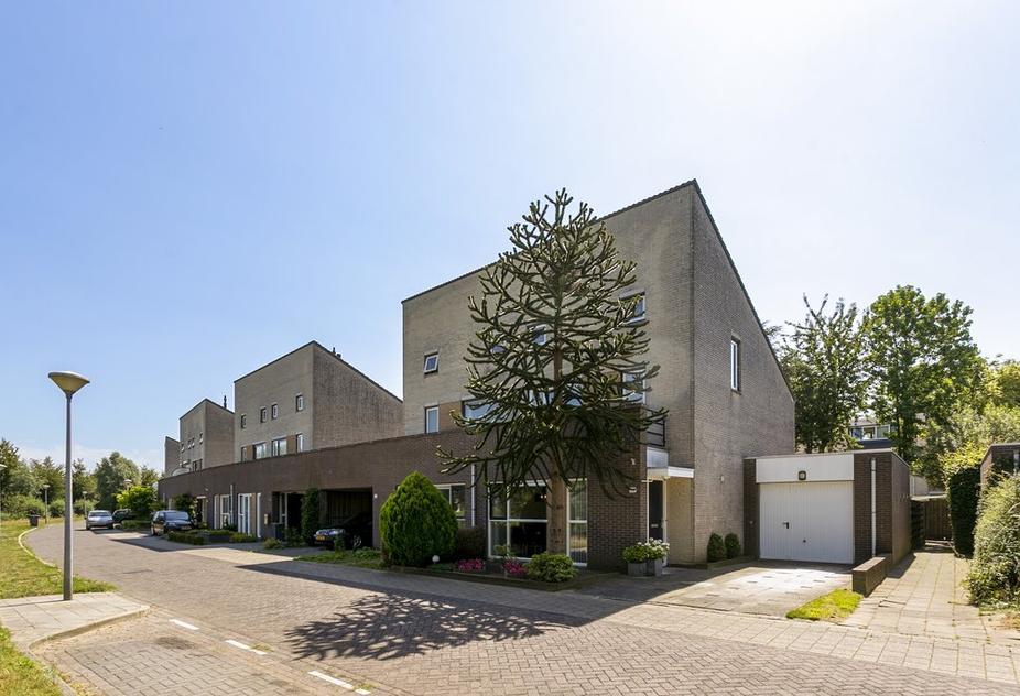 Henriette Polaklaan 30 in Zutphen 7207 HN