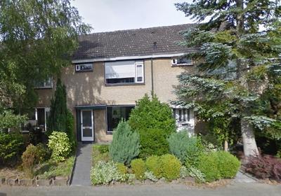 Oudlandsestraat 94 in Steenbergen 4651 ME