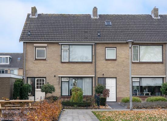 hollewand 23-04-bewerkt
