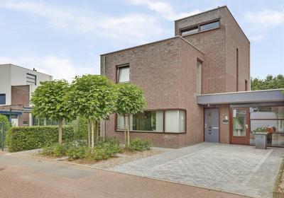 Liesbeth Ribbiusstraat 1 in Venray 5803 GS