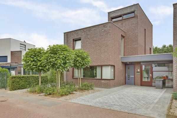 Liesbeth Ribbiusstraat 1 in Venray 5803 GS