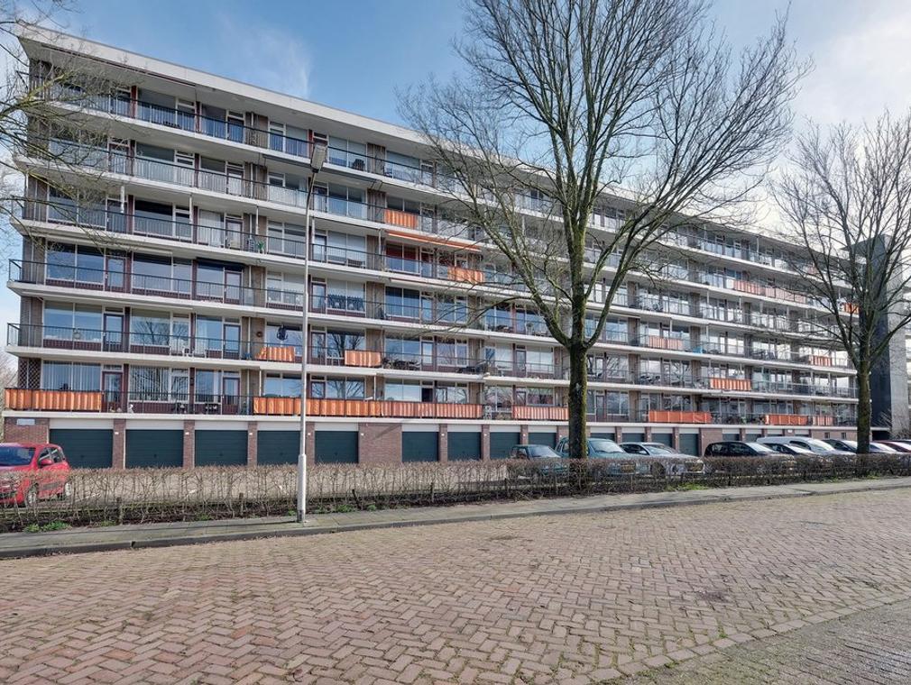 Matenalaan 155 in Arnhem 6825 DV