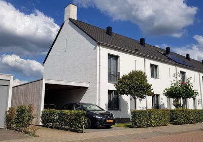 Brabantse Bellefleur 93 in Fijnaart 4793 KC
