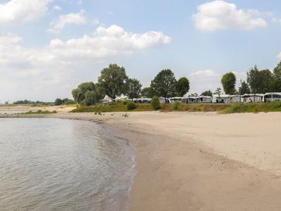 Waaldijk 38 21 in Oosterhout 6678 MC