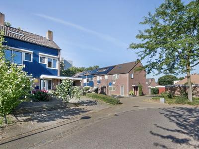 Kasteel Daelenbroeckstraat 97 in Roermond 6043 XN