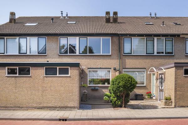 'T Sandtpad 5 in Ouderkerk Aan Den IJssel 2935 SW