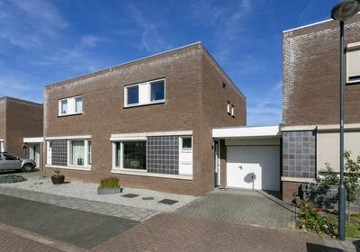 Charles De Gaullestraat 8 in Herten 6049 HB