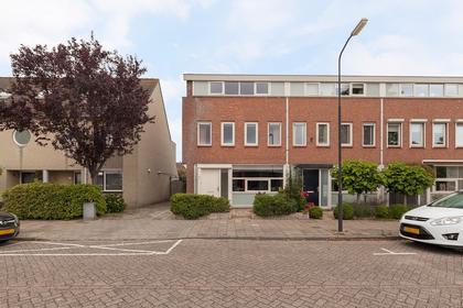 Schouwenaarsstraat 4 in Beverwijk 1945 SW