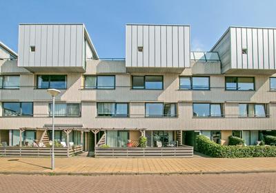 Doorneberglaan 289 in IJmuiden 1974 NK