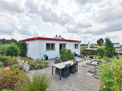 Maasheuvel 52 in Roosteren 6116 BT
