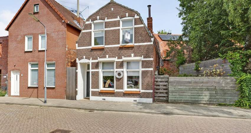 Emmastraat 14 in Axel 4571 LC