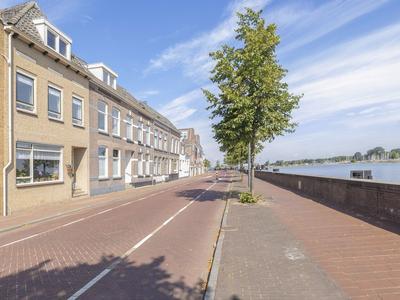 IJsselkade 75 in Kampen 8261 AH