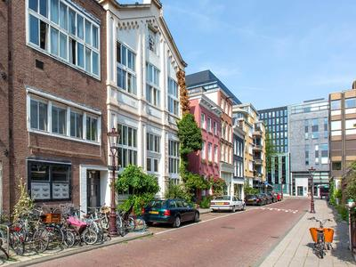 Valckenierstraat 39 B in Amsterdam 1018 XE