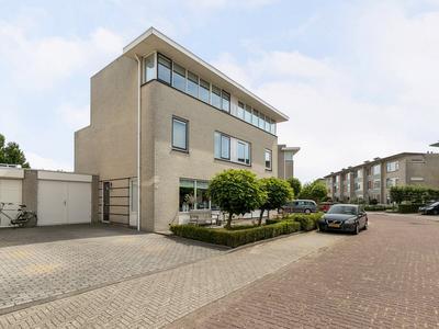 Suze Groeneweglaan 81 in Vlissingen 4385 KN