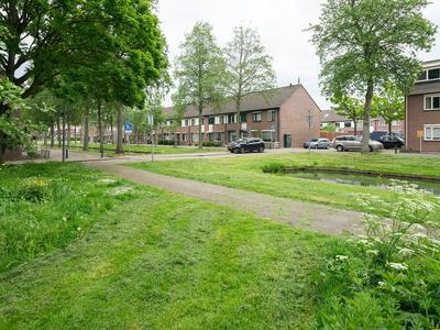 Valkenburgsingel 26 in Rotterdam 3077 TG