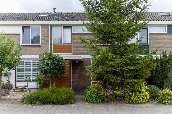 Merelhoven 453 in Capelle Aan Den IJssel 2902 KH