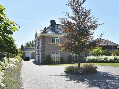 Veenweg 158 in 'S-Gravenhage 2493 ZB