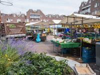 Te huur ruime winkelruimte aan de Markt te Almere-Haven